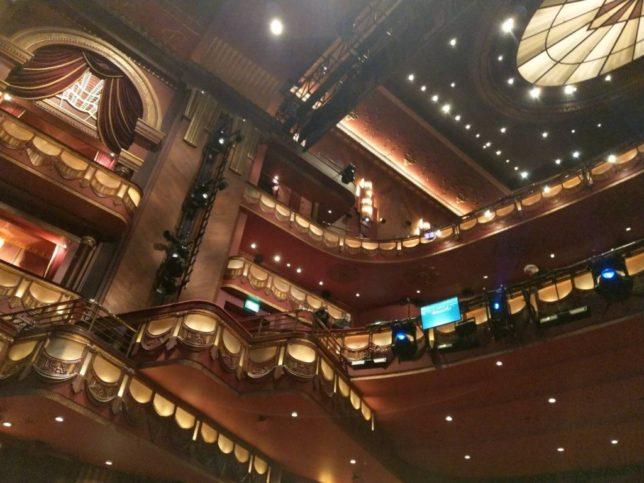 プリンスエドワード劇場